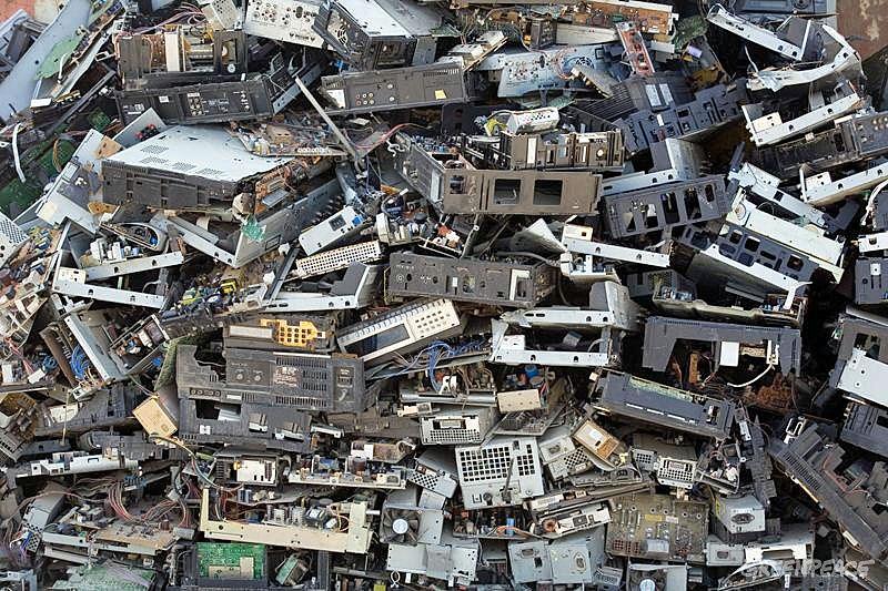 Pile of Waste - Electronic Waste Documentation (China: 2007)